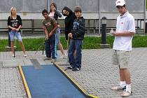 Minigolgový turnaj pro děti z dětských domovů pořádaný na Kocourku
