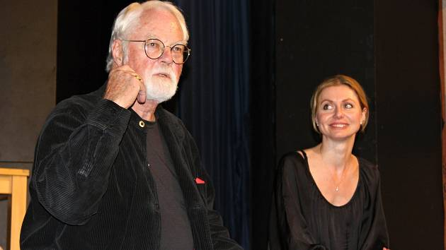 Světoznámý spisovatel Robert Fulghum také představil rakovnickým divákům svoji knižní novinku Opravář osudů.