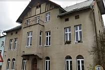 Dům čp. 220 v Jesenici se dočká kompletní rekonstrukce a vznikne zde celkem 11 bytů pro sociální bydlení.