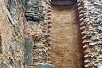 Zřícenina hradu Krakovec letos prošla několika rekonstrukcemi. Bylo například opraveno točité schodiště či postavena bezpečnostní zídka u mostu.