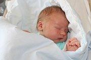 ADAM SLABÝ, ŠÍPY. Narodil se 10. října 2017. Po porodu vážil 4,15 kg a měřil 53 cm. Rodiče jsou Anežka a Mirek.