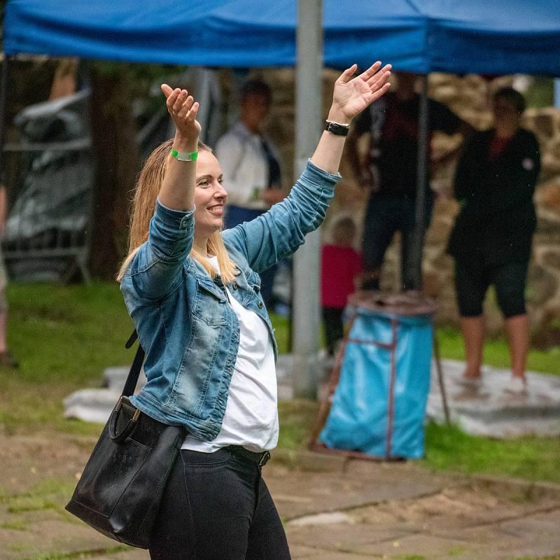 Z tradičního hudebního festivalu Jes-Fest v Jesenici.