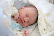 OLIVER ČISLINSKÝ, RAKOVNÍK. Narodil se 13. února 2018. Po porodu vážil 3,95 kg a měřil 51 cm. Rodiče jsou Veronika a František. Bratr Dominik.