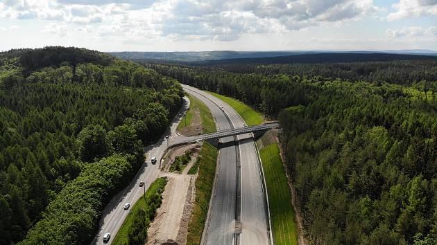 Stavba D6 v úseku Nové Strašecí - Řevničov.