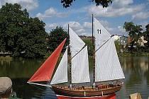V cíli mohl každý obdivovat vítěznou krasavici Karla Egerta z Písku v kategorii plachetnic.