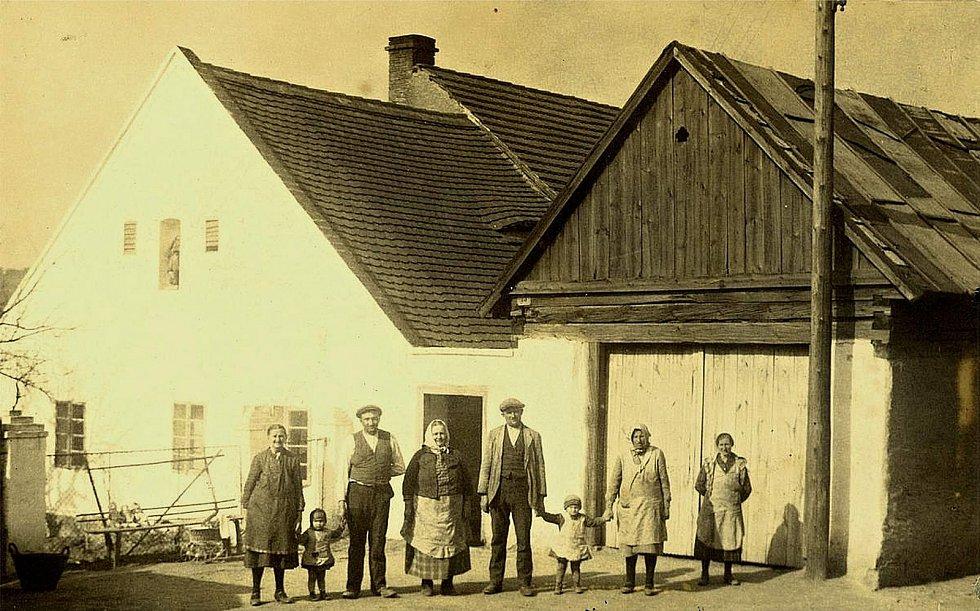 Šanov. Dům čp. 15 v polovině třicátých let 20. století.