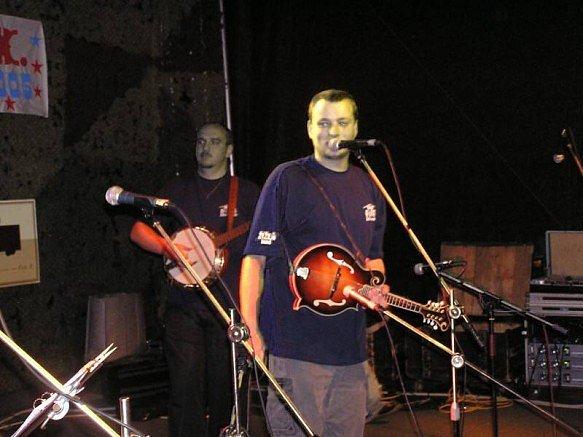 """Kapela Žízeň band ve Slabcích na akci """"Dobře utajená country"""""""