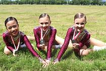 Stříbro. Trojice Sabrina Nguyen, Marie Doležalová a Gabriela Uriková skončila na mistrovství Evropy na druhém místě