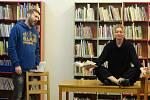 Cyklus scénických čtení Listování, to už je v Rakovníku díky městské knihovně pojem a nejinak tomu bylo i první únorový podvečer, kdy se natěšeným divákům představil pětatřicetiletý publicista Michal Kašpárek s novelou Hry bez hranic z roku 2018.