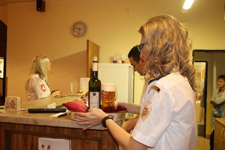 Sbor dobrovolných hasičů Všetaty pořádal po odmlce deseti let druhý Hasičský ples.