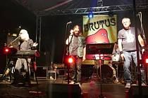 Z koncertu bigbítové kapely Brutus na Tyršově koupališti.