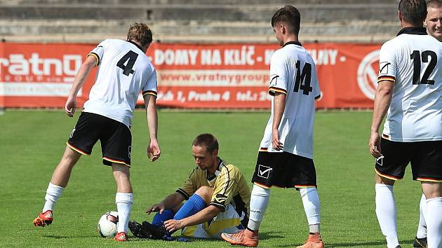 Z fotbalového utkání I.A třídy SK Rakovník B - Tochovice (0:2)
