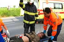 Pětadvacetiletý mladý muž utrpěl těžké zranění hlavy.