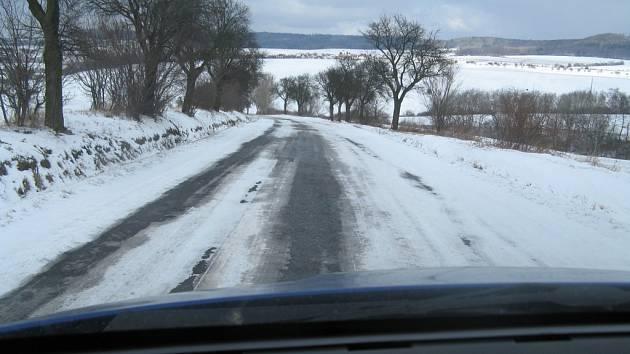 Pozor na sněhové jazyky a náledí