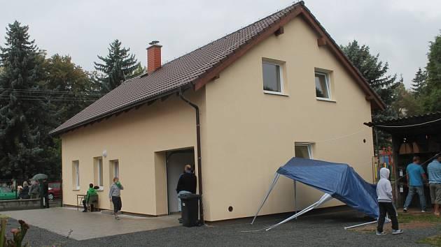 Nový dům v areálu chovatelů v Lužné
