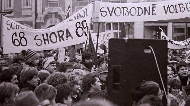 Sametová revoluce v Rakovníku.