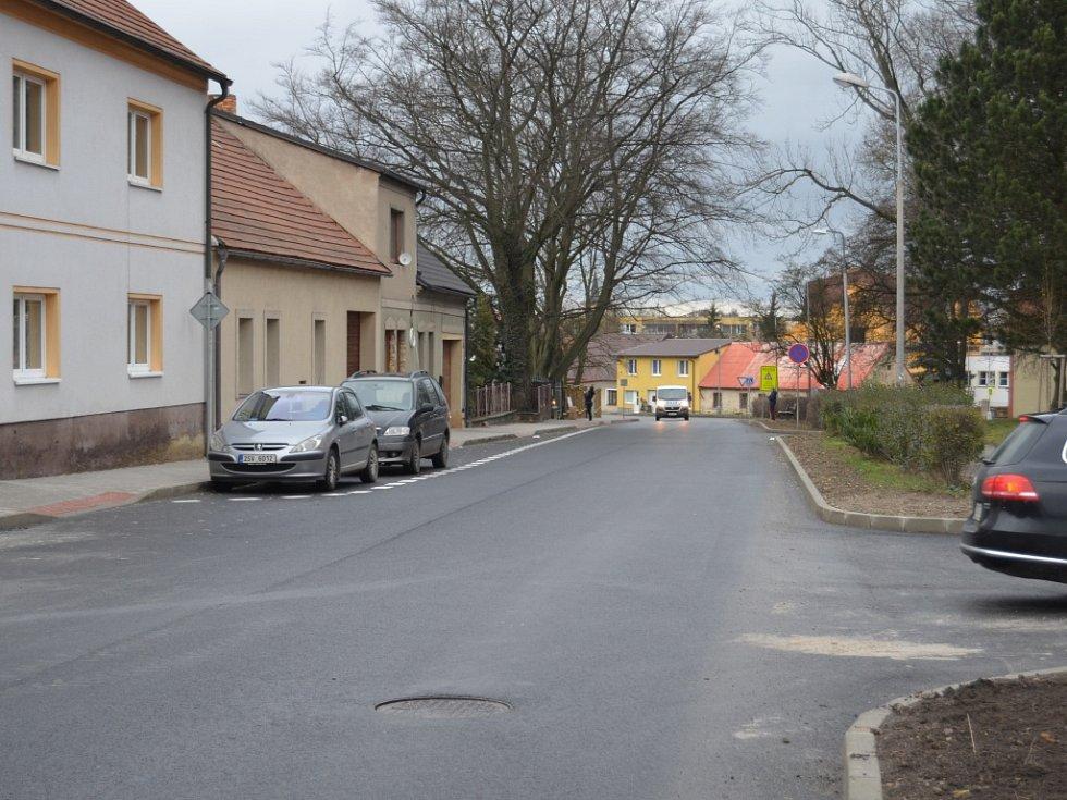 Slavnostní otevření opravené Křivoklátské ulice