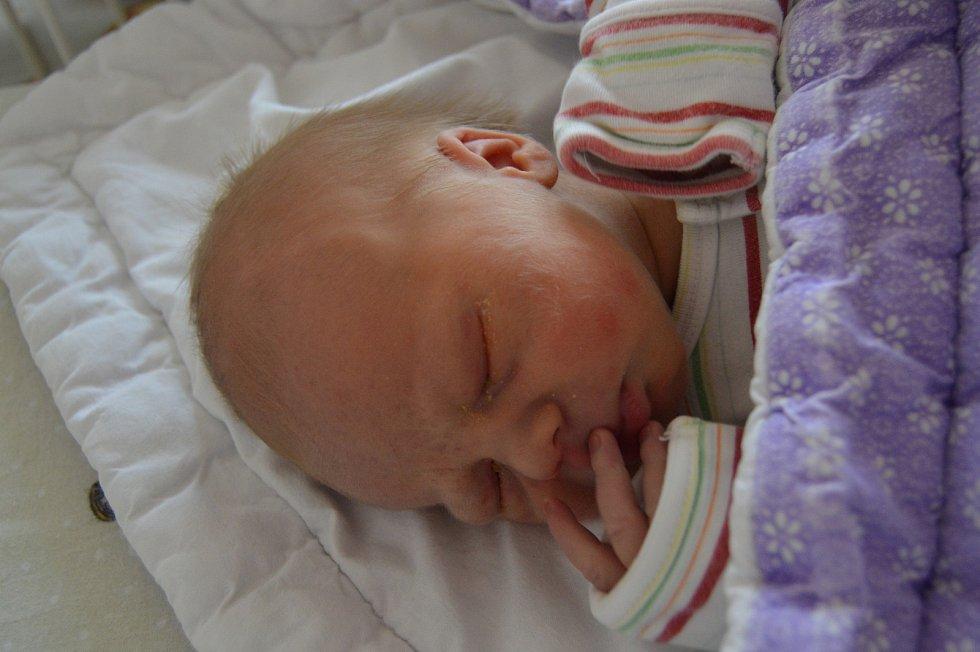 TADEÁŠ KUBALEC, PRAHA. Narodil se 9. listopadu 2019. Po porodu vážil 3,1 kg a měřil 50 cm. Rodiče jsou Dominika a Jan.