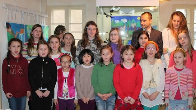 Zahájení výstavy Pojďte s námi za zvířátky v roubence Lechnířovně