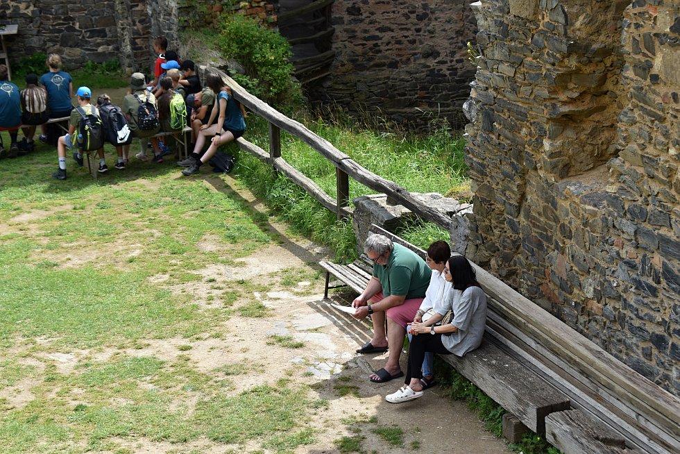 Hrad Krakovec je v létě v obležení turistů. Návštěvnost je srovnatelná s tou loňskou, kdy byla rekordní.