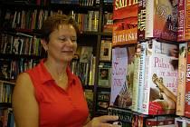 Eva Martinovská vykonává práci knihkupce už přes třicet let.