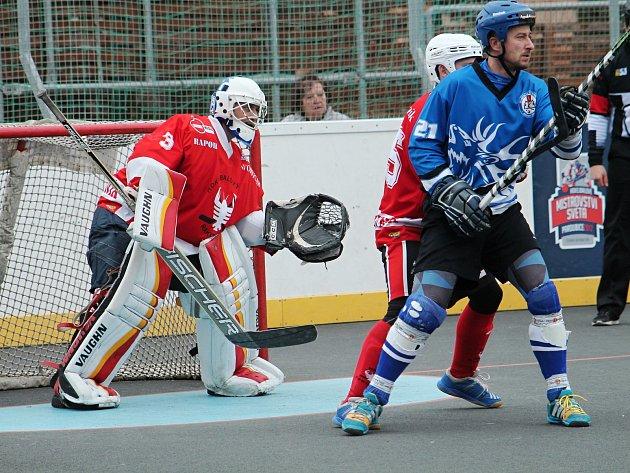 Hokejbalisté HBC Rakovník prohráli s Letohradem až po penaltách, když v základní hrací době skončil duel nerozhodně 2:2.
