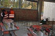 V Rakovníku pokračuje rekonstrukce plaveckého bazénu.