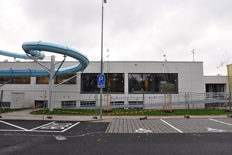 Aquapark by měl být otevřen počátkem ledna 2020. Podívejte se, jak to vypadá uvnitř.