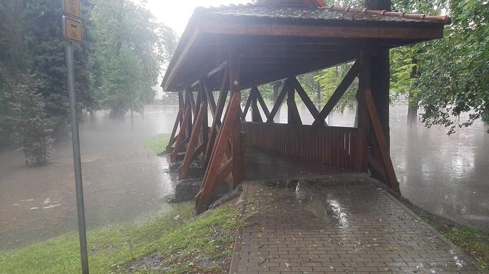 Přívalové srážky v Rakovníku 19. července 2020 - park.