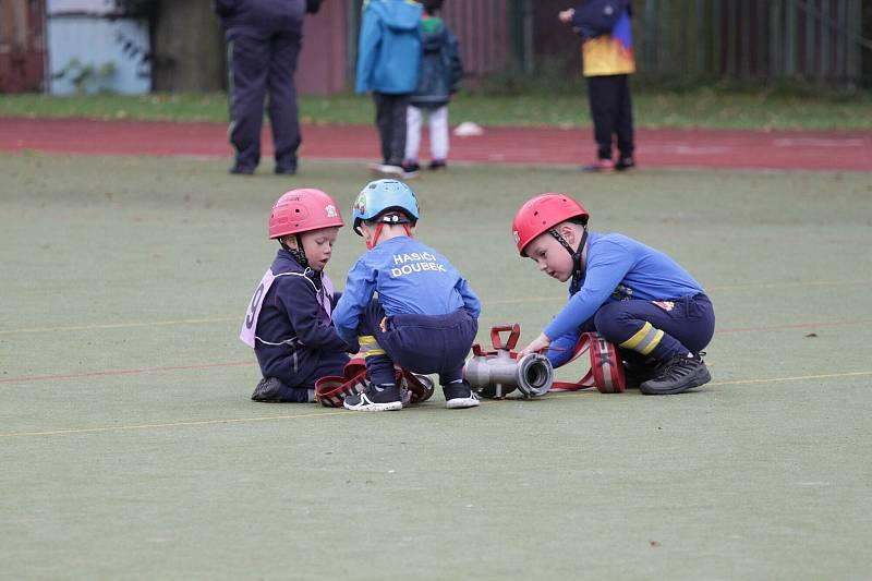 Krajské setkání přípravek Středočeského kraje na hřišti u rakovnické sokolovny, závody malých hasičů.