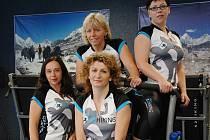 Mirka Polcarová (vlevo nahoře) se svým týmem