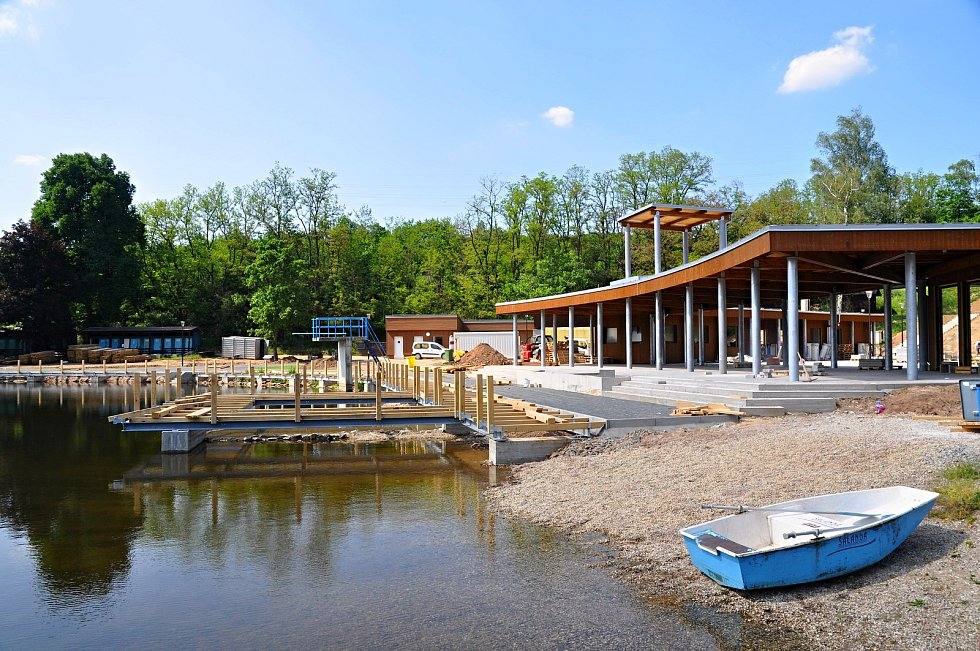 Zrekonstruované Tyršovo koupaliště by se mělo veřejnosti otevřít o letních prázdninách.