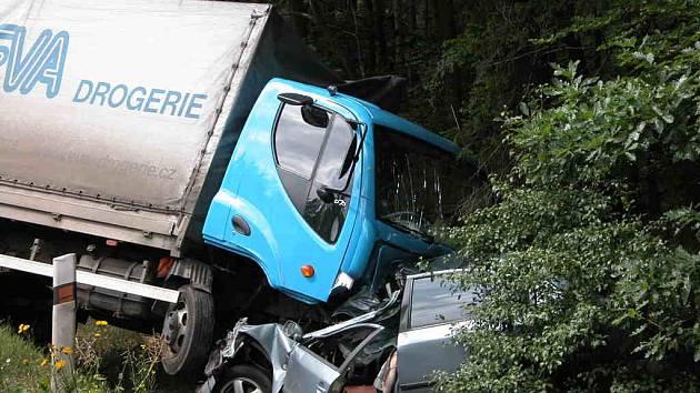 Tragická nehoda se dnes stala na Rakovnicku