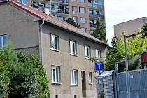 """Manželé Kruškovi nejprve zvažovali, zda - li dům prodají a přestěhují se jinam. Nabídnutá cena ze strany zájemce a neseriózní styl jednání způsobil, že Kruškovi nakonec řekli nabídce """"Ne""""."""