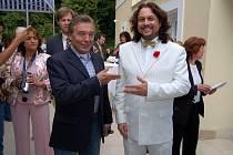 Milan Fiala je lídrem Karel Gott Cover Bandu. Jediné kapely, které propůjčil sám Karel Gott své jméno.
