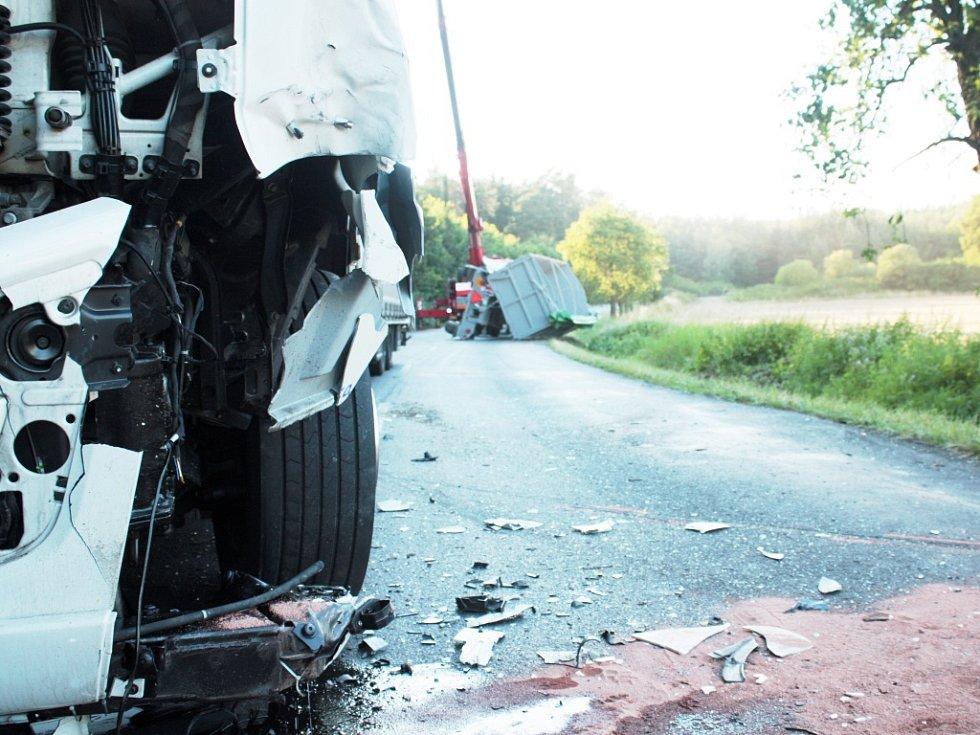 Těžká havárie na silnici u Kneževsi