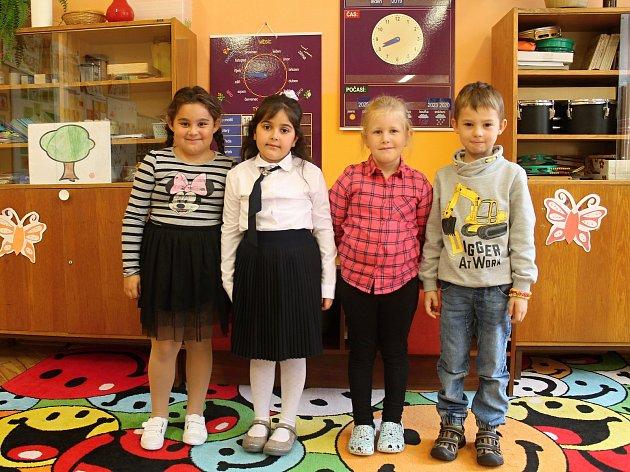 První ročník kněževeské základní školy vede třídní učitelka Věra Švelchová.