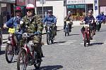 Sraz majitelů  mopedů Stadion