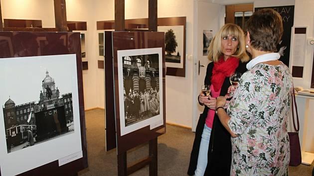 Vernisáž výstavy Ladislava Sitenského v rakovnickém muzeu.