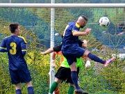 Z fotbalového utkání okresního přeboru Olešná - Kněževes (1:1, PK 4:3)