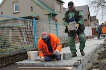 Oprava chodníků v Mšecké ulici
