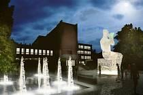 Vítězný návrh architektonického studia Hlaváček & partner ve dne a v noci. Sochu čtenáře nakonec nahradí dva bronzoví koně.