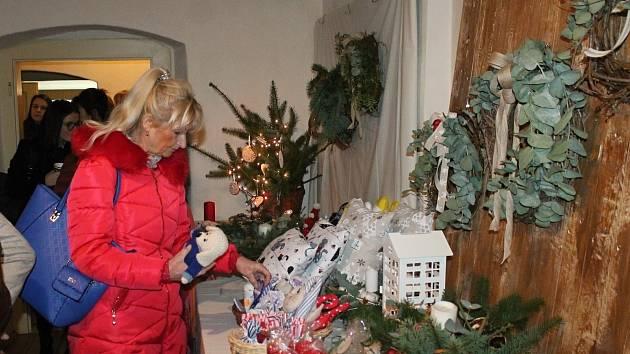 Ze zahájení výstavy Domov a Vánoce v Roubence v roce 2019.