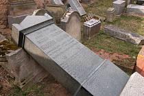 Nejstarší židovský hrob pochází někdy z 16. století, bohužel je škoda takové neuvěřitelné devastace