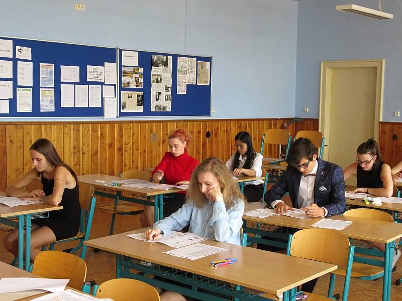 Didaktické testy na Masarykově obchodní akademii v Rakovníku.