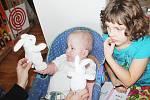 Andělé darovali dárky nemocným dětem