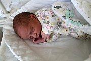 MIROSLAV PRCHAL, MUTĚJOVICE. Narodil se 13. června 2019. Po porodu vážil 3,1 kg a měřil 49 cm. Rodiče jsou Denisa a Miroslav. Sestra Terezka.
