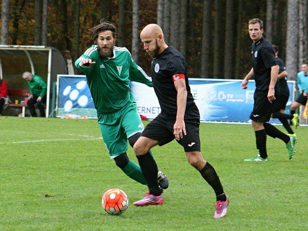 Fotbalisté Tatranu prohráli ve 12. kole divize s Chomutovem po penaltovém rozstřelu, když v normální hrací době skončil duel 2:2.