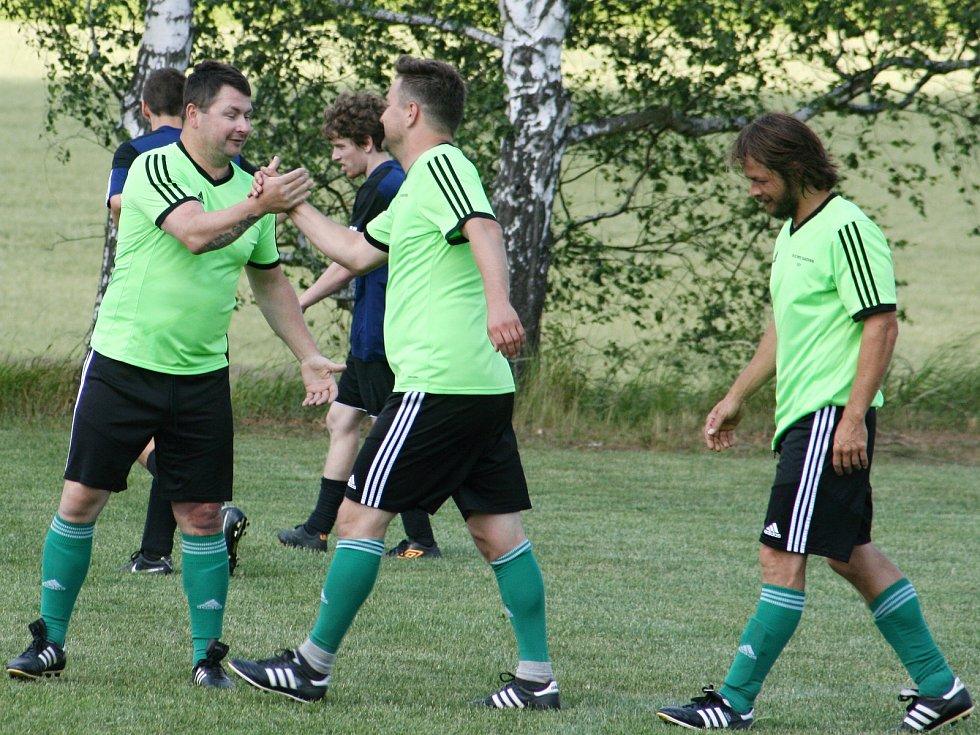 Olympie Rakovník zakončila sezonu okresního přeboru symbolicky vítězstvím v Lišanech. Svěřenci Antonína Sýkory zvítězili 4:1.