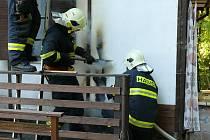 Hasičům se podařilo uchránit majetek ve výši 300 tisíc korun.